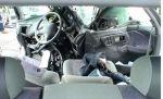 Вид внутри машины, которая врезалась в столб.