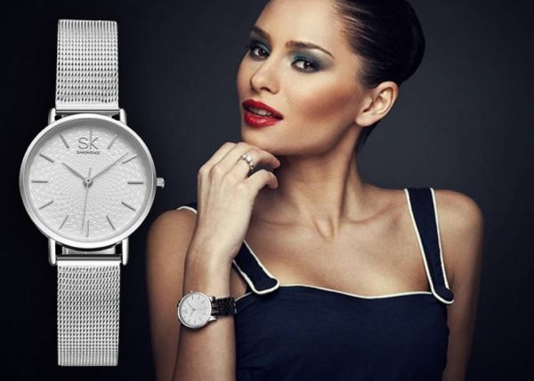 На какой руке носят часы женщины и мужчины по этикету?